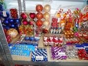 Новогодние игрушки,  новогодние костюмы,  гирлянды,  бенгальские огни… Не