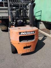 Вилочный дизельный автопогрузчик Doosan D30G г/п 3 тонн